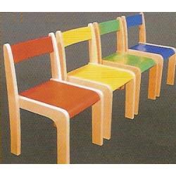 Chaise en bois empilable couleur