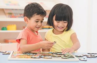 Éveil et premiers jeux pour enfants de 0 à 8 ans